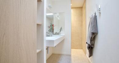 Wandbelag im Badezimmer